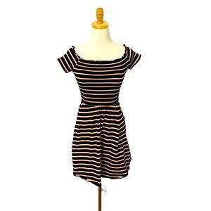 90s Short Sleeve Off the Shoulder Smocked Dress